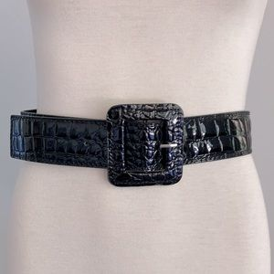 Vintage 80's faux patent leather Belt in faux crocodile skin SIZE 8 - 10